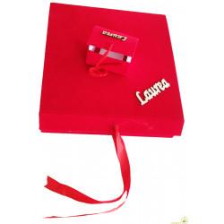 Scatola contenitore con 12 bauletti in velluto rosso con scritta laurea