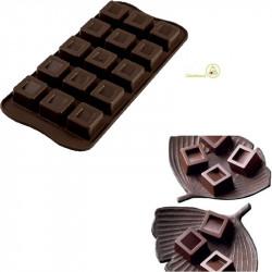 Vendita stampo in silicone per 15 cioccolatini a forma cubo di lato 2,6 cm x 2,6 cm x altezza 1,8 cm da Silikomart
